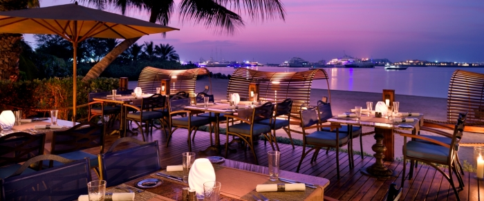 royal-mirage-beach-bar-and-grill-beach-outside